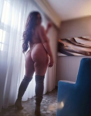 Lisia escort girl in Seven Oaks