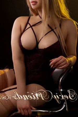 Yesmina independant escort in Cincinnati OH